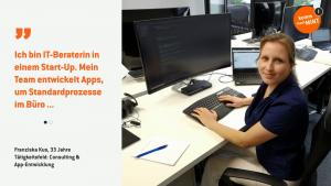 Franziska arbeitet am PC