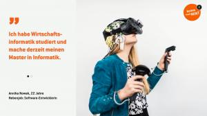 Annika testet eine Virtual Reality Brille