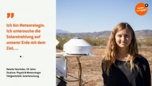 Natalie misst mit einem Pyranometer die solare Globalstrahlung in Südspanien